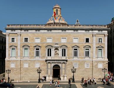 Fenadismer en contra del acuerdo entre la Generalitat de Cataluña y el Ministerio de Fomento de prohibir la circulación en la N-340 a camiones