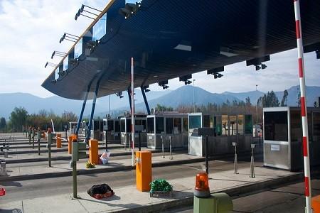 A diferencia de la anterior norma foral aprobada en 2016, el nuevo proyecto de regulación de los peajes a camiones en Guipúzcoa no cuenta con el apoyo de todos los partidos políticos.    PP y EH Bildu presentan una enmienda a la totalidad del nuevo proyecto que la Diputación tramita por[…] Ampliar noticia …