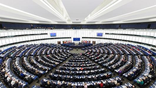 """La nueva Comisión Europea continúa su """"cruzada"""" contra el nuevo Paquete de Movilidad"""