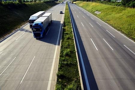 Tráfico de Almería prohibe los camiones en la A-7 de lunes a viernes de 7.30 a 8.30 h