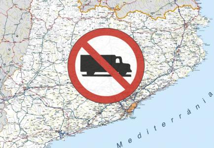 El Servicio Catalán de Tránsito también tramita prohibir la circulación de los camiones en la N-340 y N-240 y su desvío obligatorio a las AP-7 y AP-2
