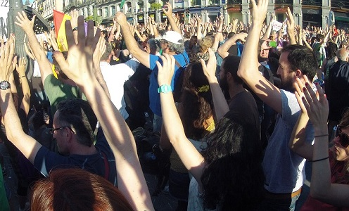 Miles de camiones españoles atrapados por las movilizaciones francesas