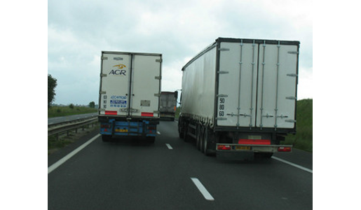 Las flotas de transporte establecidas en países del Este de Europa copan ya más del 30% del transporte internacional español.    Es especialmente significativo el crecimiento de la flota rumana, con un crecimiento anual de más del 50% en el transporte tanto interior como internacional español.  La Federación Nacional de Asociaciones de Transporte[…] Ampliar noticia …