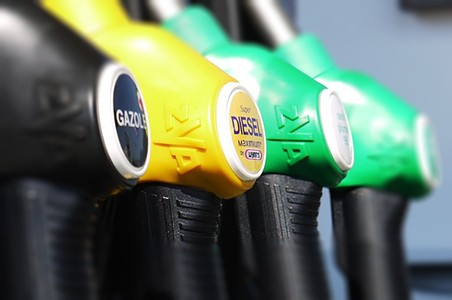 Los transportistas beneficiarios del gasóleo profesional están obligados a declarar a la Agencia Tributaria los kilómetros anuales antes del 31 de Marzo de este año.  A través de dicho sistema, la Agencia Tributaria devuelve hasta 4'9 céntimos por litro correspondiente a la suma del tramo estatal del impuesto sobre los carburantes[…] Ampliar noticia …