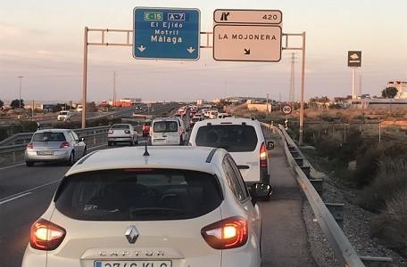 La medida restrictiva en vigor desde el pasado lunes 17 de Febrero perseguía aumentar la fluidez y seguridad del tráfico en dicha autovía A-7 para el resto de vehículos, prohibiendo la circulación de los camiones, de lunes a viernes entre las 07:30 h y las 08:30 h.   La mayoría de los[…] Ampliar noticia …