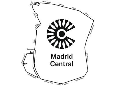 Y además incongruentemente se obliga a otros 30.000 vehículos de transporte de mercancías y reparto a congestionar innecesariamente el interior de Madrid Central para poder atender a sus clientes en horario de tarde, tras los nuevos horarios límites de acceso establecidos.  Contrariamente a lo establecido en Madrid, el Ayuntamiento de[…] Ampliar noticia …