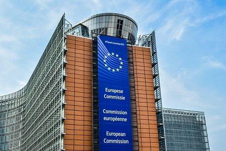 La asociación europea de transportistas UETR, conjuntamente con las organizaciones europeas de operadores logísticos, transitarios, compañías de seguros y operadores de aparcamientos instan a la construcción de nuevas Áreas de Aparcamiento Seguro por la carencia real de este tipo de instalaciones para cubrir la actual demanda   Por ello,[…] Ampliar noticia …