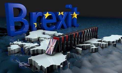 Un Brexit sin acuerdo obligaría a reducir el tránsito de España al Reino Unido a menos de 800 camiones, una décima parte de los que actualmente realizan transporte entre ambos países   La salida sin acuerdo del Reino Unido de la Unión Europea el próximo 31 de Octubre tendría consecuencias nefastas para[…] Ampliar noticia …