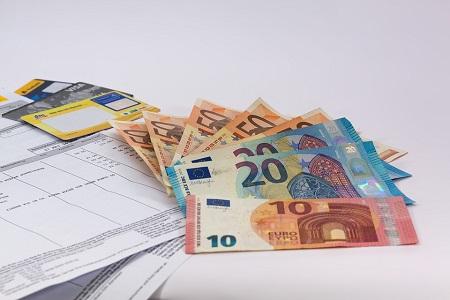 El Gobierno mantiene el mismo límite actual de facturación para poder seguir acogido a módulos para 2021 que será aprobado en la Ley de Presupuestos que se tramita en la actualidad en el Parlamento. Asimismo se mantienen idénticos para 2021 los importes de los módulos de años anteriores relativos a personal[…] Ampliar noticia …