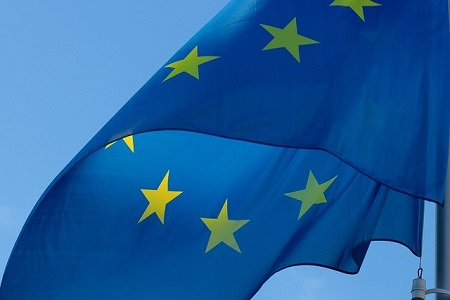 El Gobierno portugués, que ostentará la Presidencia de la Unión Europea hasta el próximo mes de Junio, se propone como objetivo principal una recuperación postcovid justa, verde y digital. En el ámbito del transporte, se priorizará en el establecimiento de ayudas para facilitar su recuperación, su modernización y su sostenibilidad.    La Presidencia[…] Ampliar noticia …