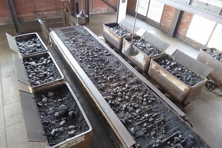 El Gobierno ha anunciado su objeto de cerrar las plantas térmicas dedicadas a la producción de electricidad en 2020.    En la actualidad un millar de transportistas se dedican en exclusiva al transporte de carbón desde los puertos del Norte de España hasta las plantas térmicas.  Las asociaciones de transportistas que componen el[…] Ampliar noticia …