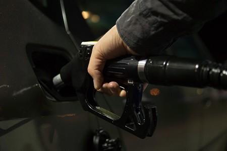 Fenadismer advierte que una subida del impuesto al diésel afectará a un tercio de los transportistas españoles.    El proyecto de Ley de Presupuestos para 2020 que prepara el Gobierno el contemplaría una subida en el impuesto al diésel, para ir equiparándolo a la fiscalidad que soporta la gasolina.    Fenadismer recuerda una vez[…] Ampliar noticia …