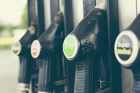 Los transportistas beneficiarios del gasóleo profesional están obligados a declarar a la Agencia Tributaria los kilómetros anuales antes del 31 de Marzo de este año.     A través de dicho sistema, la Agencia Tributaria devuelve 4'9 céntimos por litro correspondiente a la suma del tramo estatal del impuesto sobre los carburantes más[…] Ampliar noticia …
